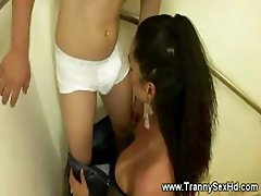 Tranny shemale is spoiling a guys cock