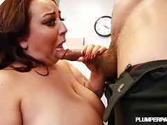 Sexy Plump Slut Fucks Big Cock Boss for Job