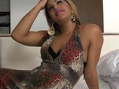 Lascivious shemale is very at deepthroat blowjobs