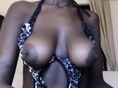 Ebony Pussy Played With Up Close