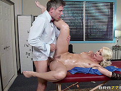 Bootyful blondie Anikka Albrite gets hammered by Mick Blue