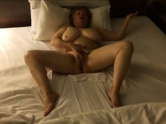 Big boobs mature mom fapping to climax