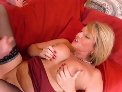 AgedLovE Mature Lady Enjoy Sex with Handy Man