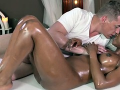 Very hot ebony chick gets a nice and relaxing massage