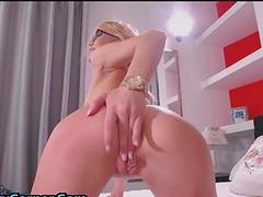 Skinny 18yo Enjoys Anal And Vaginal Toying