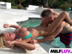 Big dick in in hot MILF Ceira Roberts