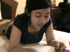 Asian teen amateur sucking and fucking in hotel