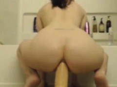 Webcamsex young sitting ass on top of a big fat cock