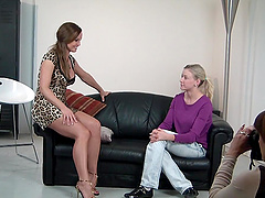 Victoria the slim blonde shows her nude body to Silvia Saint