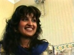 Cute Indian houswife gets naked on cam for a stranger